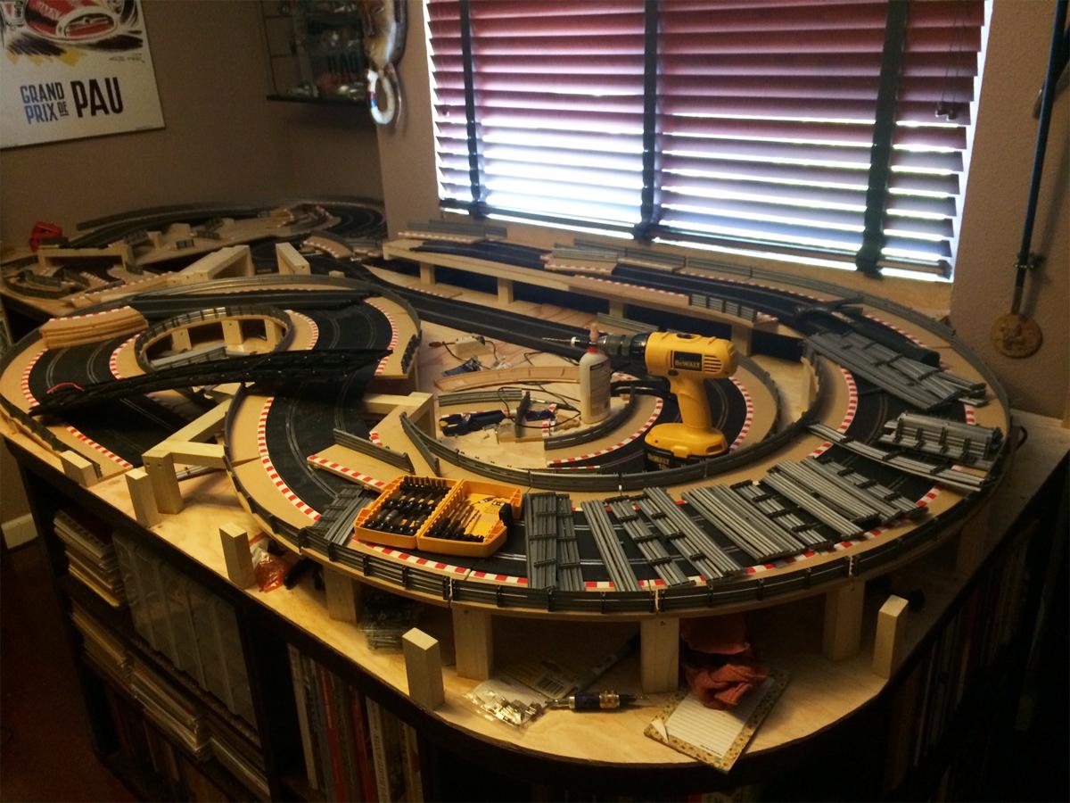planet slot slot car slot race circuits routiers voiture lectrique piste bois piste. Black Bedroom Furniture Sets. Home Design Ideas